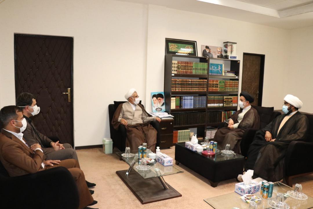 نماینده ولی فقیه در هرمزگان خواستار توسعه رشته های تحصیلات تکمیلی دانشگاه پیام نور ابوموسی شد.