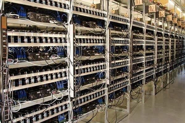 کشف ۲۲۹ دستگاه استخراج ارز دیجیتال قاچاق در بندر شهید رجایی