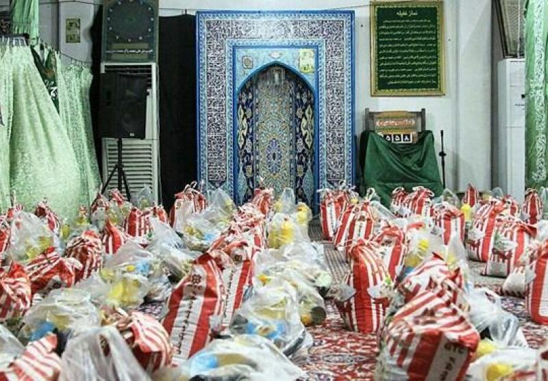 توزیع 1000 بسته معیشتی توسط «بسیجیان» یک محله/ عطر «مواسات» از مسجد «غدیر» به مشام میرسد+عکس