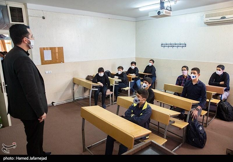 نماینده مردم اصفهان: وزارت آموزش و پرورش برنامه منسجمی برای نیروی انسانی ندارد