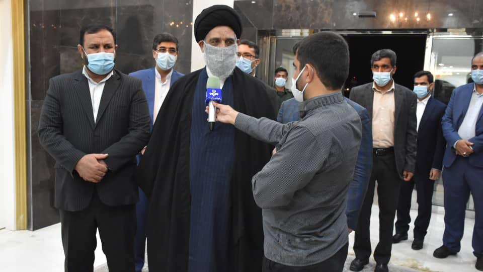 ورود رییس دیوان عالی کشور به بندرعباس با استقبال رییس کل دادگستری استان هرمزگان